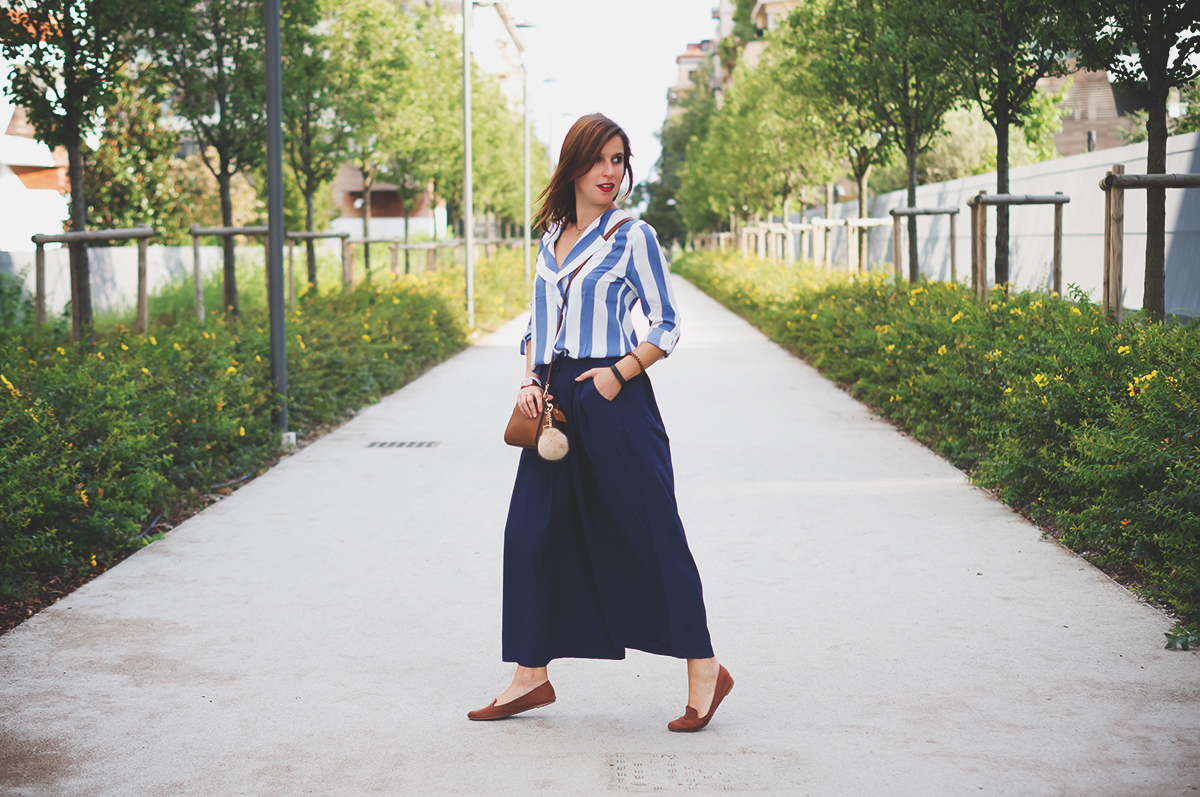 Navy culotte pants in Milan